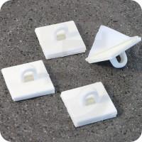 Basetta autoadesiva con occhiello, quadrata 20x20mm, bianca