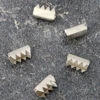 Chiusure in metallo per la produzione di anelli, nichelato